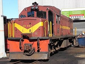 South African Class 33-000 - Image: SAR Class 33 000 33 007
