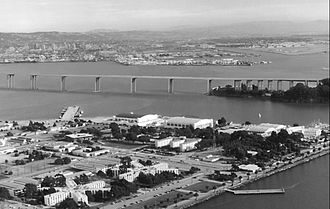 "Eastern span replacement of the San Francisco–Oakland Bay Bridge - Artist's rendering of the basic viaduct-style span, also known as the ""Skyway"" design (1997)"