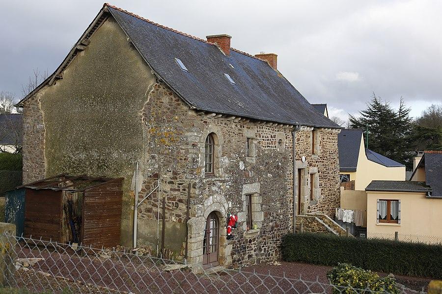 Maison à Saint-M'Hervon.
