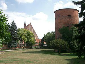Burggarten in Salzwedel mit Mönchskirche