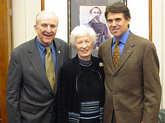 Sam Johnson - Sam and Shirley Johnson with Governor Rick Perry in 2003