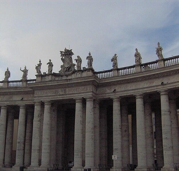 File:San Pietro Colonnades.JPG