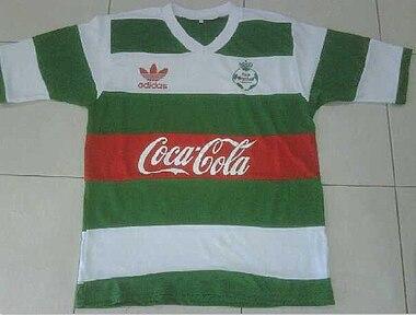Camiseta del Club Santos Laguna en 1988. a8c68f5d23074