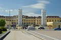 Schönbrunn main entrance scaffolded 01.jpg