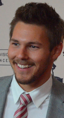 Scott Clifton.jpg