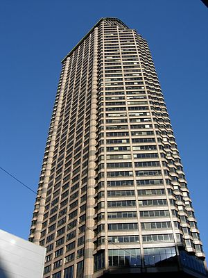 Fred Bassetti - Seattle Municipal Tower, completed 1990