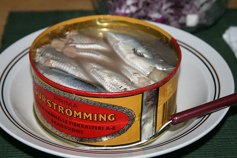 File:Serving Surströmming.jpg