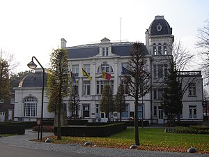 "Sint-Michiels - Former castle ""Bloemenoord"" and former town hall of Sint-Michiels"
