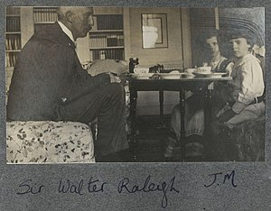 Walter Raleigh (professor) - Sir Walter Alexander Raleigh (left), Julian Ottoline Vinogradoff and an unknown boy, photographed by Lady Ottoline Morrell