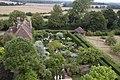 Sissinghurst Gardens 4 (4907279635).jpg