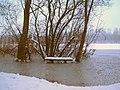Sitzbank am Untersee in der Ville Seenkette, Brühl.jpg
