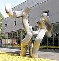 Skulptur Alte Jakobstr 129 (Kreuz) Dreiheit&Brigitte Martin Matschinsky-Denninghoff&1992.jpg