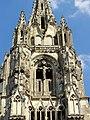 Soissons (02), abbaye Saint-Jean-des-Vignes, abbatiale, tour nord, étage de beffroi, vue depuis l'ouest.jpg