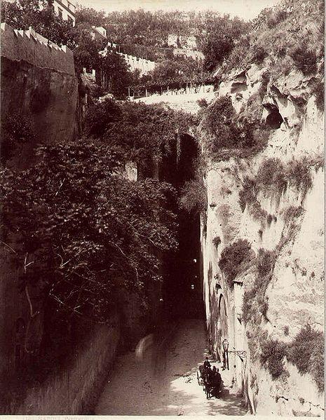 File:Sommer, Giorgio (1834-1914) - Napoli - Piedigrotta.jpg