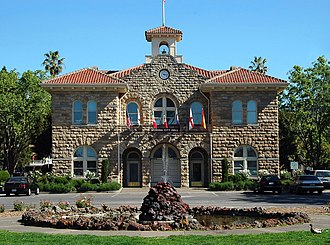 Sonoma Plaza - Image: Sonoma City Hall