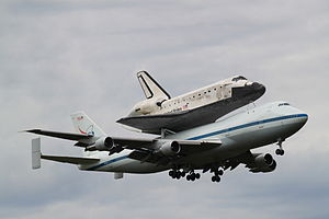 Space Shuttle Discovery landing approach at Dulles.jpg