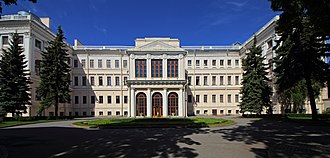 Anichkov Palace - The cour d'honneur
