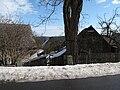 Střechy domů v Kostelních Střimelicích.JPG