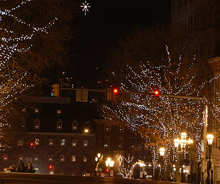 The star of Bethlehem viewed from Main Street at night, in 2007. The Hotel Bethlehem is located on the right side of the street. Star of Bethlehem Main Street 2382px.jpg
