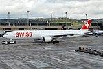 Swiss International Air Lines Boeing 777-3DE-ER HB-JNB (26679934881).jpg