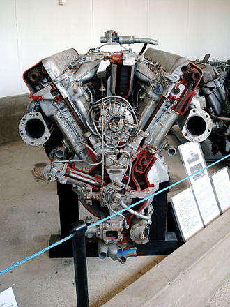 Kharkiv model V-2 - Engine (V-2-34) of Soviet T-34 tank displayed in the Finnish Tank Museum (Panssarimuseo) in Parola. Some parts have been removed or cut to show the inner workings.