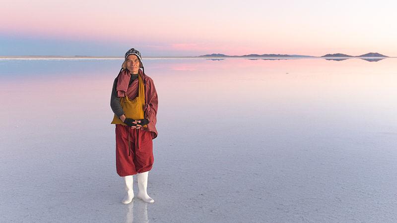 File:Taiwanese Monk at the Salar of Uyuni, Bolivia.jpg