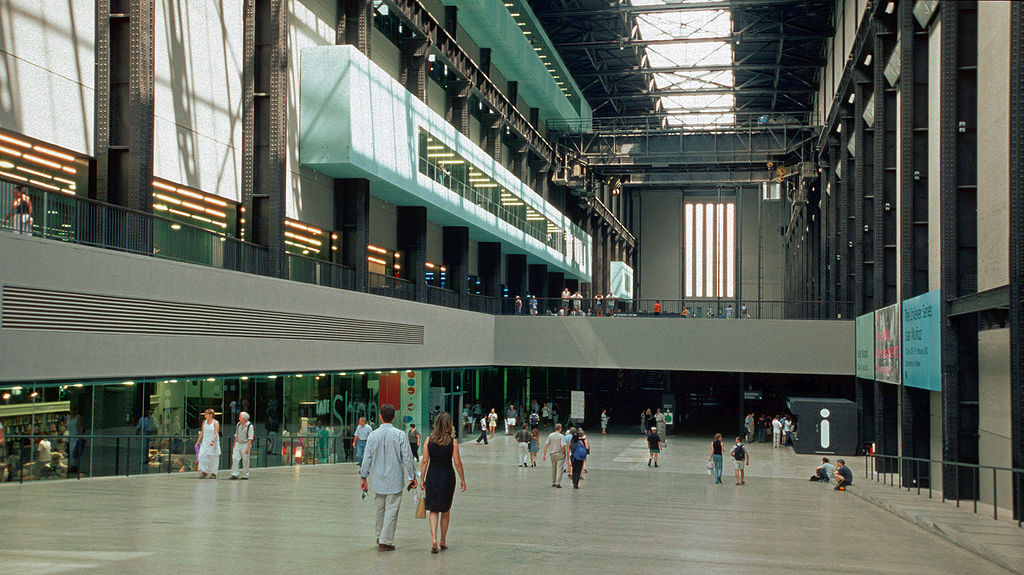 Intérieur de la Tate Modern à Londres. Photo de Hans Peter Schaefer.