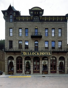 The Bullock Hotel, built in 1886 by Seth Bullock, the Wild West town's first sheriff. Deadwood, South Dakota LCCN2011634118.tif
