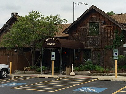 How to get to Country House Restaurant, 241 55th St Clarendon Hills, IL 60514 with public transit - About the place