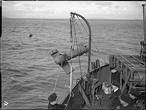 Paravane (weapon) - Image: The Royal Navy during the Second World War A19606