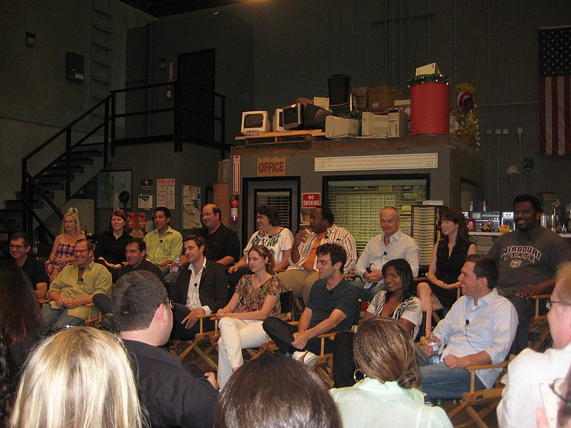 Ficheru:The cast of The Office in August 2009.jpg