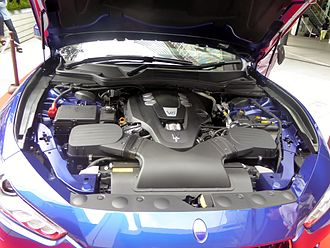 Maserati Ghibli (M157) - Engine bay of a V6 petrol Ghibli