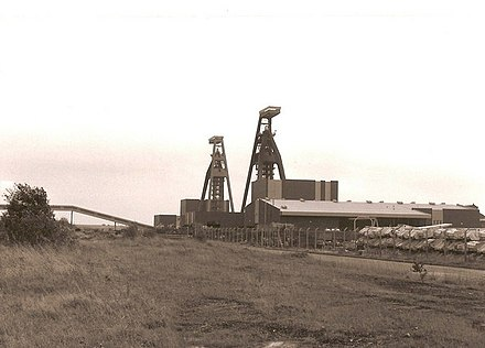 Thorne Colliery (1989) Thorne Colliery - geograph.org.uk - 448655.jpg