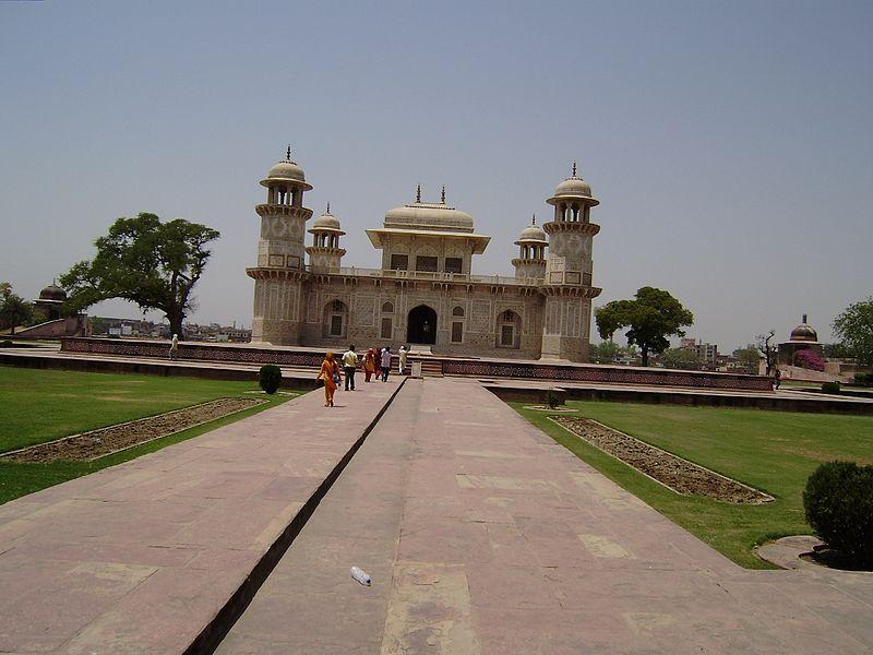 File:Tomp of Mughals - panoramio.jpg