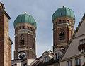 Tours Cathédrale toits Munich.jpg