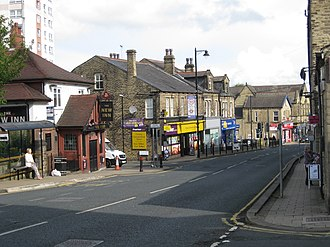 Farsley - Image: Town street middle, Farsley 1 September 2017