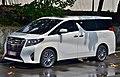 Toyota Alphard V6 Intramuros, 2018 (01).jpg