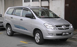 Kuozui Motors - Image: Toyota Innova (first generation) (front), Kajang