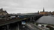 File:Tunnelbana på Söderströmsbron 2.webm