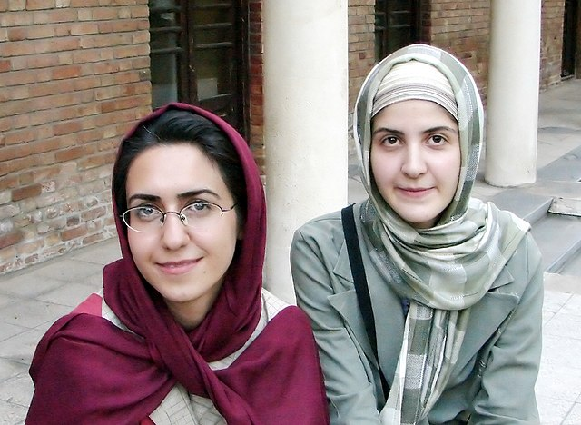 bassano del grappa single muslim girls The tyrannical ezzelino iii from bassano drove the guelphs out of vicenza,  that paved the way for what would be known as the miracolo del  dating from early.