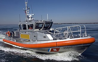 A U.S. Coast Guard 45-foot (14 m) Response Boat Medium (RB-M) USCG response boat medium 45607 Yorktown.jpg