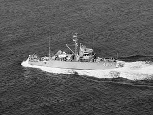 USS Prime (AM-466) - USS Prime (MSO-466) underway in 1954