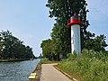 Ueckermuende Leuchtturm und Uecker.jpg