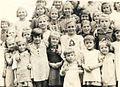 Ukradeni otroci v taborišču Saldenburg.jpg