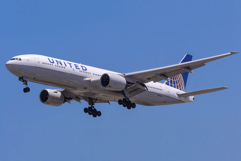 [Jeu] Association d'images - Page 18 1024px-United_Airlines_777_N797UA_LAX
