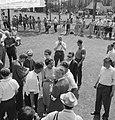 Vara-landdag in Berg en Bos . Josepine Baker tussen publiek, Bestanddeelnr 912-6459.jpg
