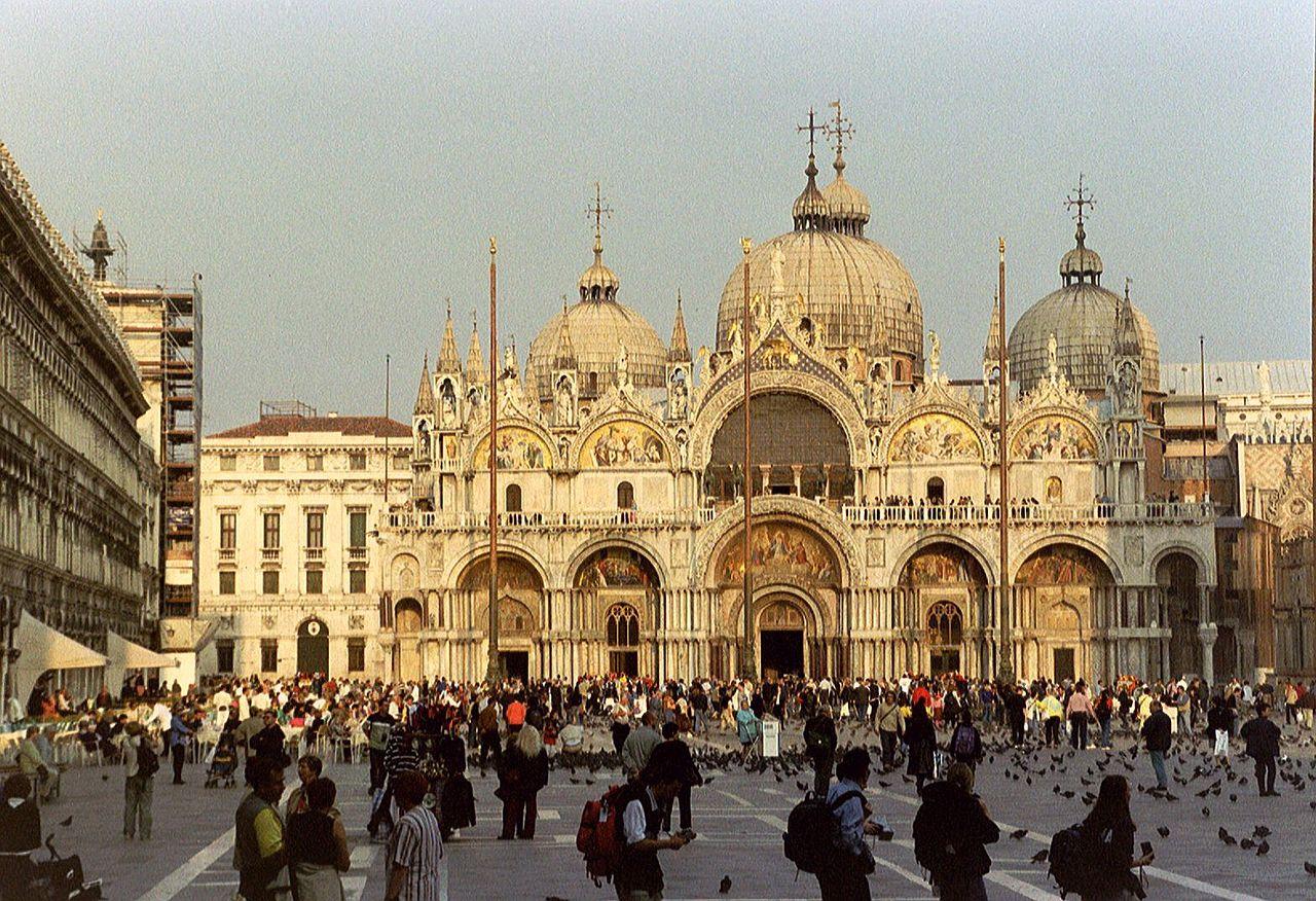 File venice basilica di san marco 6217590109 jpg for Esterno basilica di san marco