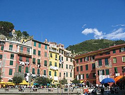 Vernazza 15 bordercropped.jpg