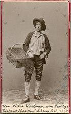 Victor Hartman, rollporträtt - SMV - H3 183.tif