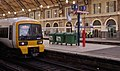 Victoria station MMB 16 465157.jpg